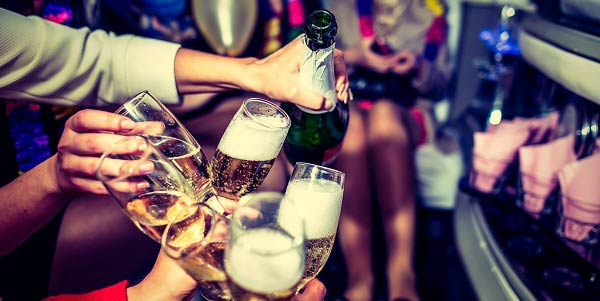 ce6ec1c8f Qual é o significado de sonhar com festa  - Astrocentro Blog