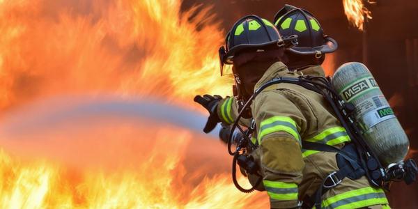 Sonhar com bombeiro
