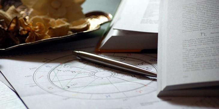 estudar astrologia