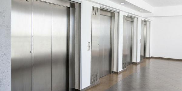 soñar con elevador