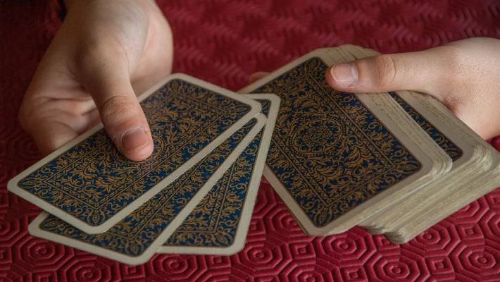 tirada-de-cartas-en-linea-videntes