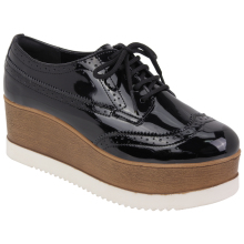Sapato em sintetico 17-4851