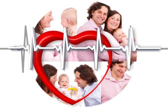 Plano de saúde familiar: foto de família sobreposta por um coração