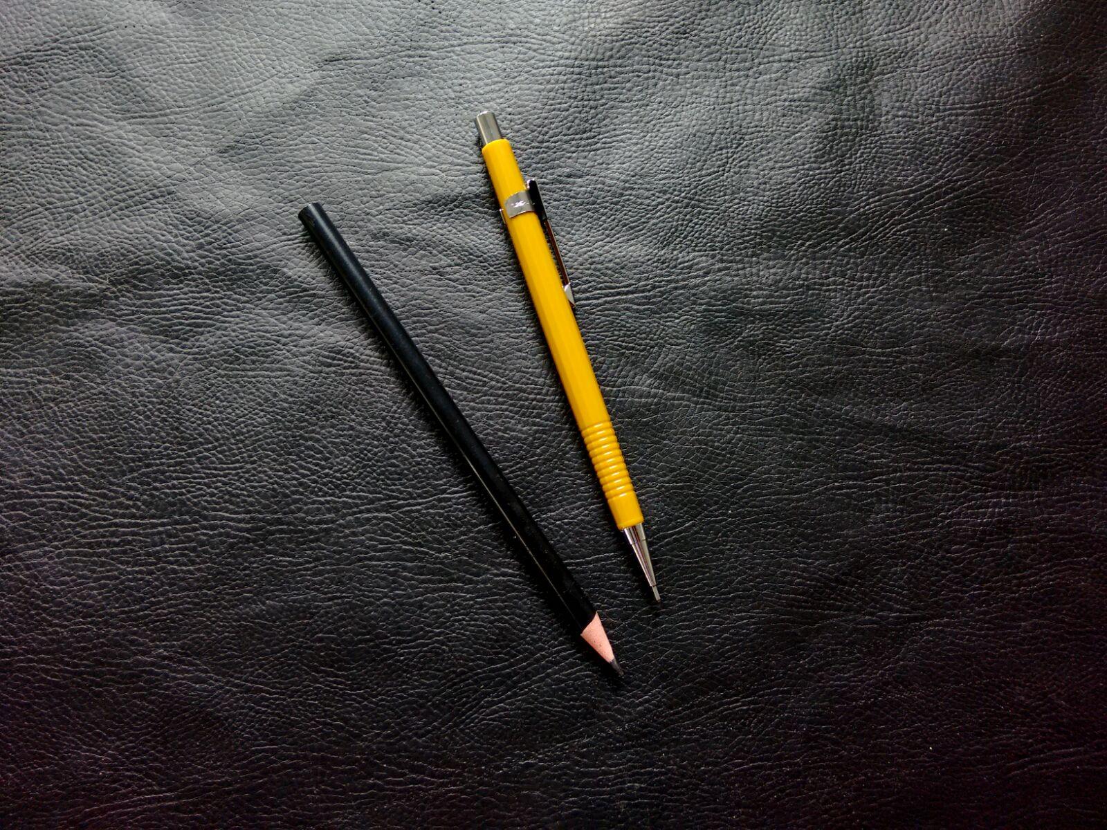 lápis e lapiseira para modelagem de roupas