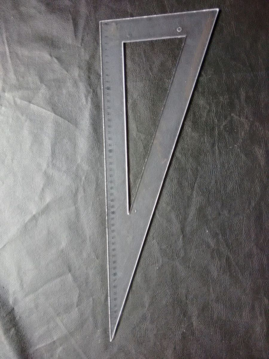 esquadro para modelagem no papel