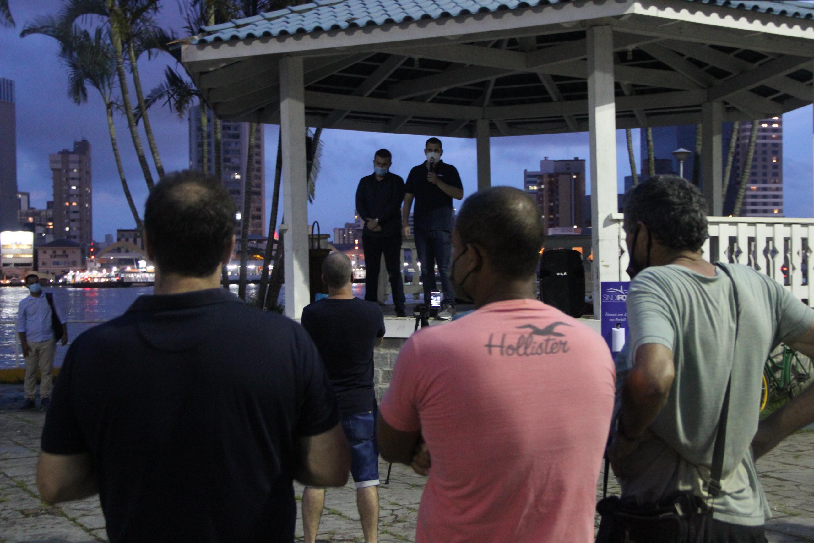 Servidores de Navegantes rejeitam proposta de reajuste apresentada e exigem cumprimento da lei