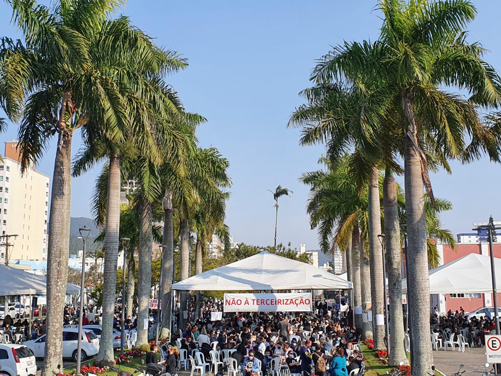 Veja como foi o segundo dia de greve dos servidores municipais de Itajaí!
