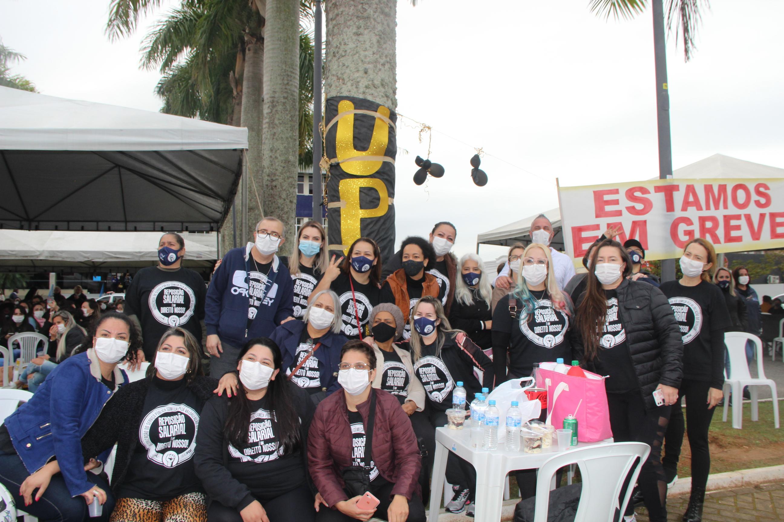 Veja como foi o terceiro dia da greve dos servidores de Itajaí