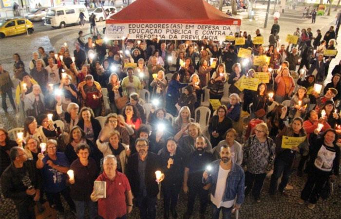 Servidores públicos ocupam galerias da Alep em defesa da aposentadoria