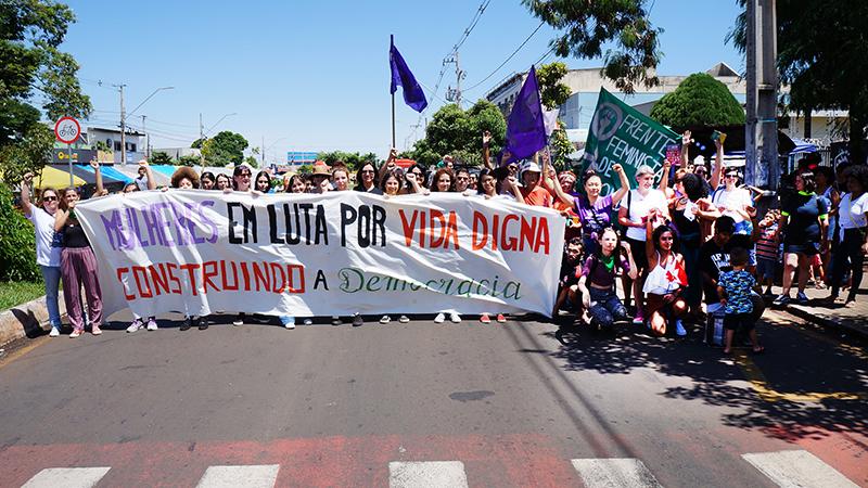 Frente Feminista realiza atividades para marcar Dia Internacional da Mulher