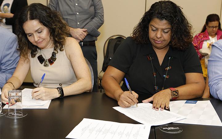 Acordo garante apoio a bancárias contra violência doméstica