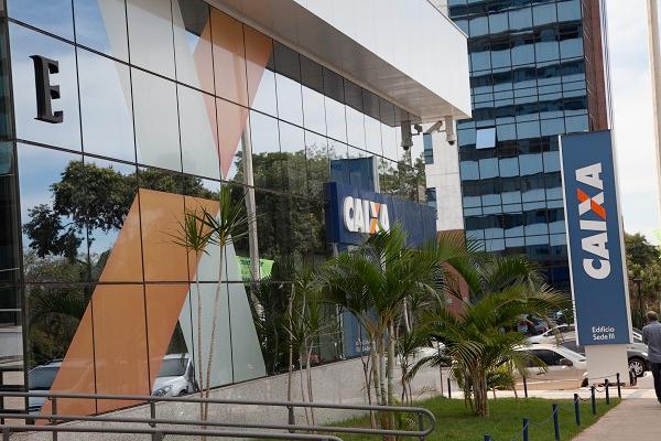 Caixa se enrola ao tentar justificar PLR Social menor para empregados