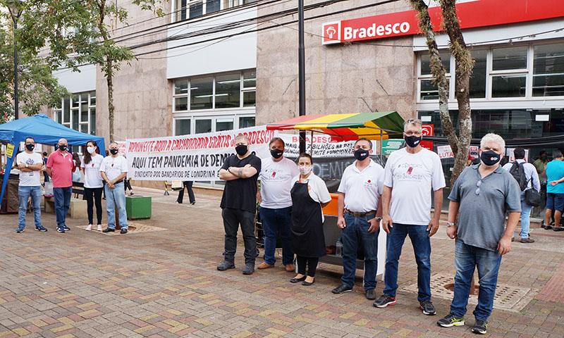 Protestos em Apucarana e Londrina voltam a cobrar fim das demissões no Bradesco