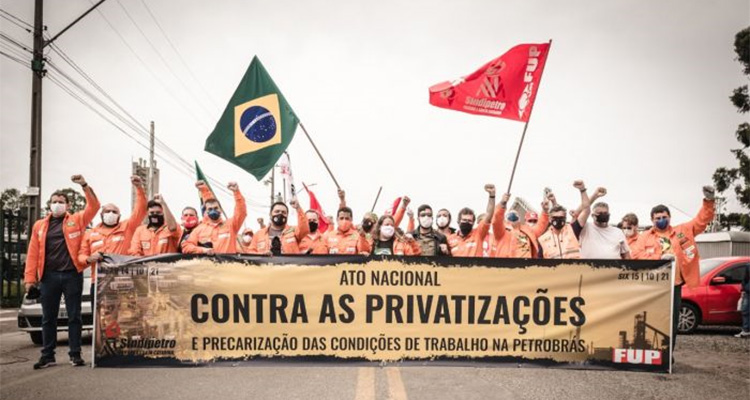 Petroleiros protestam contra privatizações e terceirização
