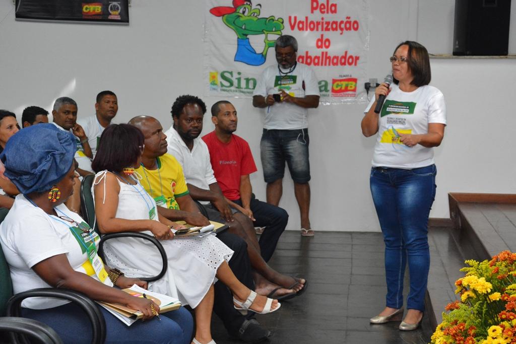 A vice-presidenta Alexsandra Nogueira agradece, em nome de toda a diretoria, pela oportunidade de aprendizado