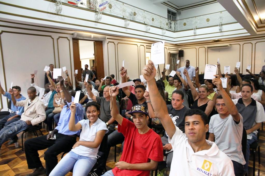 Em Assembleia, trabalhadores do comércio votaram contra a criação do Sindisuper. Imagem: Wellington Santos/ Comerciários