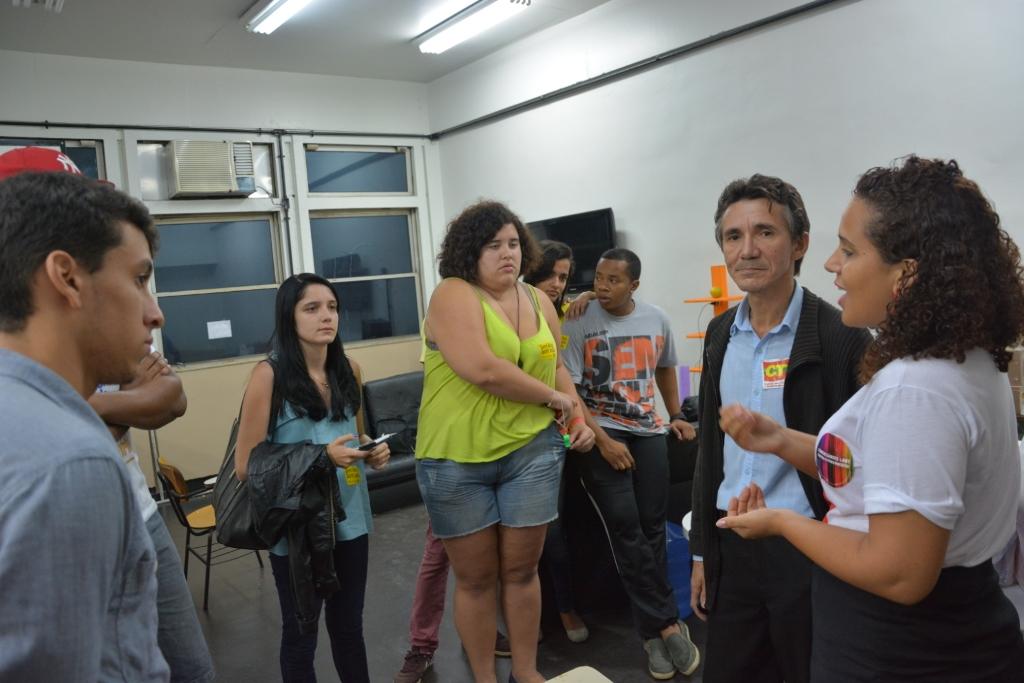 Na imagem, à direita, os diretores do Sindicato José Cláudio Oliveira e Ana Paula Costa. Foto: Wellington Santos/ Sindicato dos Comerciários do Rio