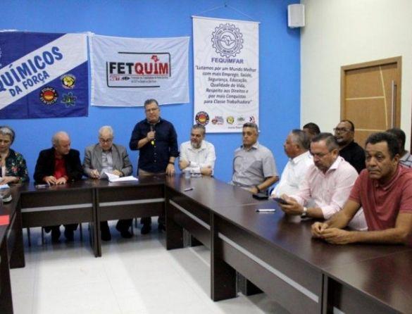 Químicos da FEQUIMFAR/Força Sindical e FETQUIM/CUT assinam Convenção Coletiva e mantêm direitos