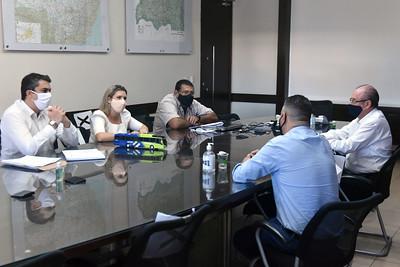 Prefeita Elisa negocia tarifa de ônibus com representantes de concessionárias