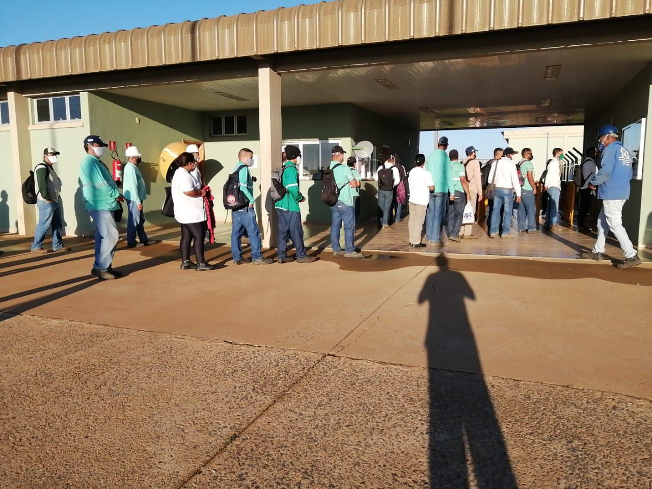Stiquifar mobiliza trabalhadores da Usina Uberaba para enviarem sugestão para elaborar pauta de reivindicação de 2020/2021
