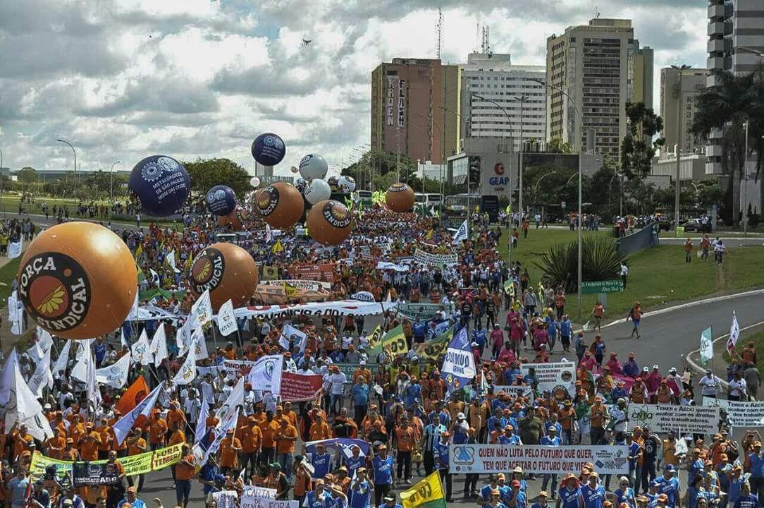 Centrais sindicais e movimentos sociais para combater a fome no Brasil