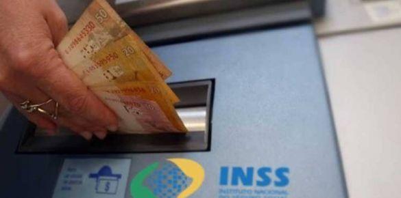 INSS começa a pagar 13º de aposentados e pensionistas na terça