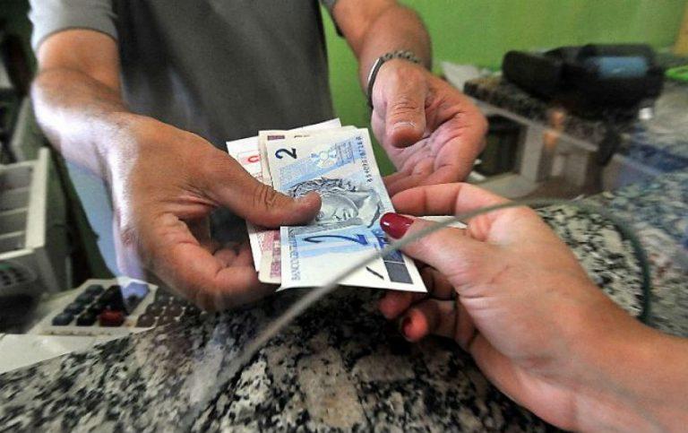 Valor do salário mínimo deveria ser de R$ 5.351,11 de acordo com o Dieese