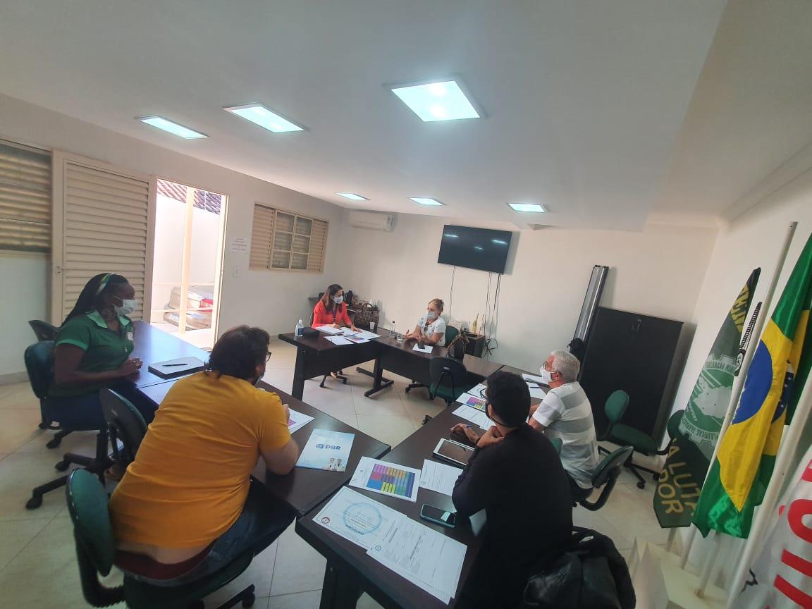 IEPT/Stiquifar realiza reunião para avaliar e definir novas diretrizes dos cursos profissionalizantes