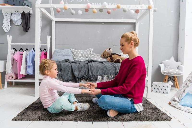 O quarto montessoriano tem transformado a infância das crianças. Quer entender os benefícios dele para seu filho? Confira nosso post!