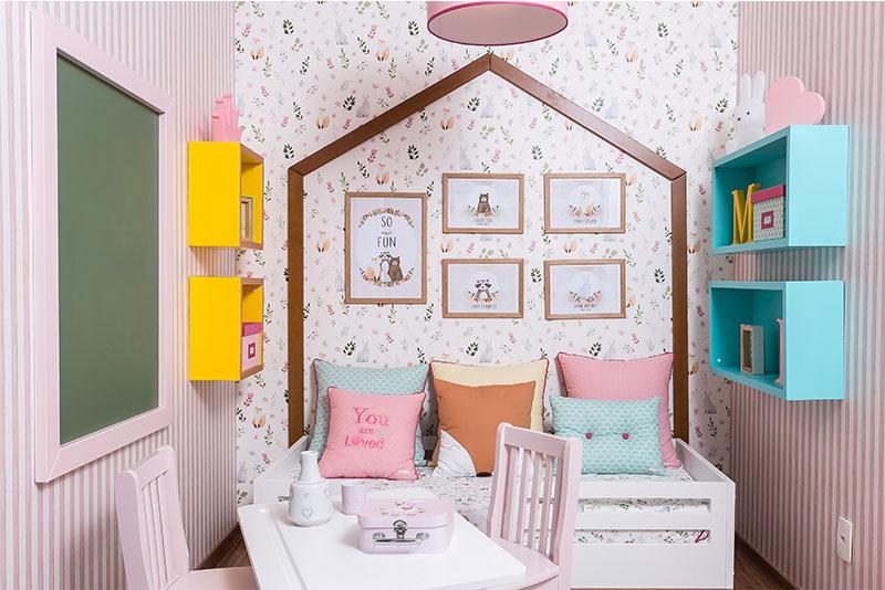 quarto montessoriano de menina cama