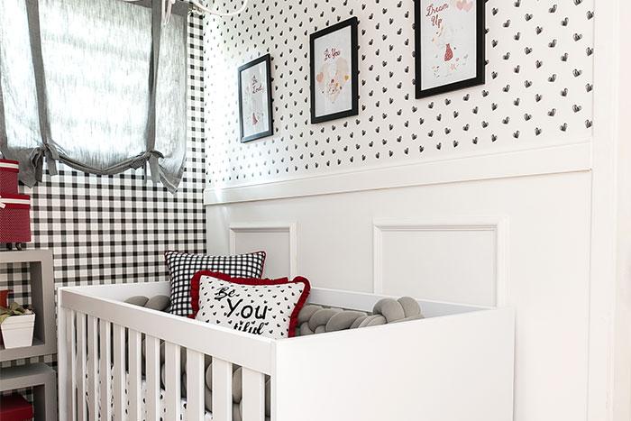 preto e branco no quarto de menina