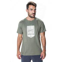 Remera Estampa Invention Hombre Umbro